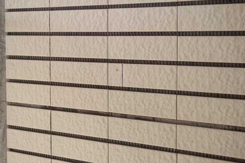 外牆二丁掛拉拔測試(2)  截斷區塊約6x5cm