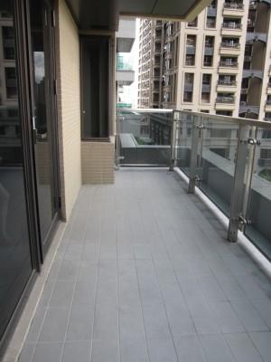世界花園-橋峰A+ 主臥室大陽台