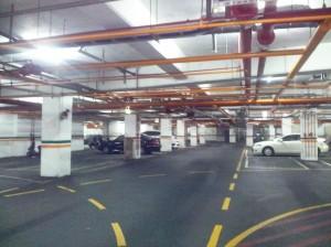 USC楠加州 地下室停車場