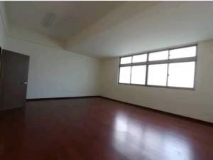 內湖廠房辦公室使用空間大找張瓋文租最優惠